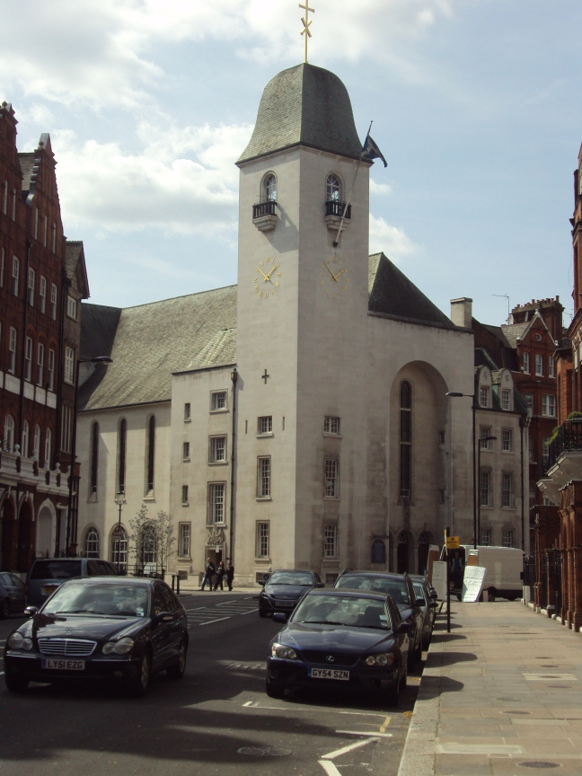St_Columba's_Church,_Pont_Street,_Knightsbridge_-_DSC05410